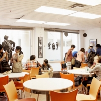 EC - Students in cafe