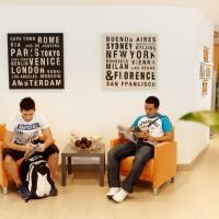 EC - Students reading